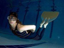 плавание в моноласте